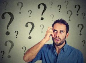 疑問を浮かべる男性